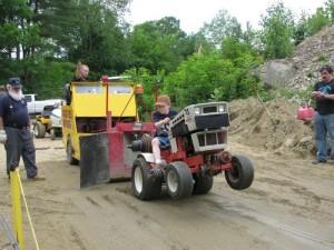 garden-tractor-pulling